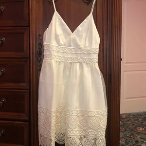 Minuet S gorgeous dress LN Lined nice detail ivory